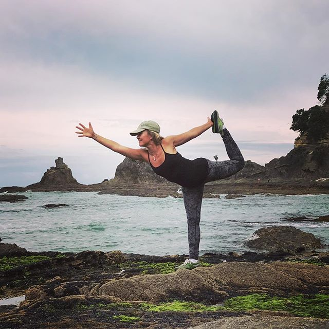 New Year's Day 2017 intention practice on the beach in NEW ZEALAND. Move through life like water over rock... feel the rhythm in all of life, in breath, heart, conversations, waves on the ocean, the flickering of a fire... DANCE with the pulse of all life. ..#yogajourneyswithulrika #yogajourney #yogaoutside #happynewyear2017 #yogafun #yogainspiration #yogateacher #yogaeveryday #yogalover #yogagram #yogaretreat #yogalife #yogalifestyle #yoga #yogini #aum #yogi you