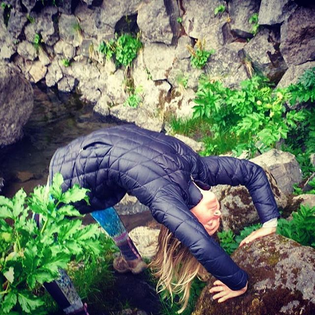 A different kind of lava flow erupting on Iceland:) Crooked drop back on the rocks by pentagon shaped lava rock formations and glacier lakes. The landscape is otherworldly. #yogajourneyswithulrika #yogachallenge #yogainspiration #yogaeveryday #yogalifestyle #yogalife #yogaretreat #yogalover #yogaoutside #instayoga #yogatime #yogatravel #yogaeverywhere