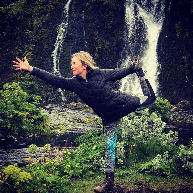 Life is precious, I strike a pose to honor nature ️ daily. Aummmm... #yogajourneyswithulrika #yogajourney #yogaretreat #instayoga #yogatime #yogadaily #yogaoutdoor #yogaoutside #yogalife #yogainspiration #yogalifestyle #yogatravel #yogaeveryday #yogaeverywhere #practice