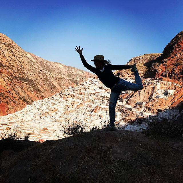 So windy I almost blew into the salt mines! I'll call this pose my one second whirling dervish wobbly dancer:) Peru's got me flying...#yogajourneyswithulrika #yogajourney #yogaretreat #yogaperu #yogaeverywhere #yogalife #yogaoutside #yogainspiration #yogalife #yogajourney #yogainspiration #yogaeveryday #yoga #yogini #dancer