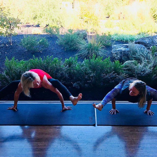 TGIF Yoga practice @solageresort with @phiferpavittwine. We've traveled around the world ? on Yoga Journeys to Cuba, Iceland, Tahiti, Bali together and weekly for almost 10 Years at Solage in Calistoga, always lifting each other up. Cheers to empowering friendships! ️ #yogajourneyswithulrika #yogafriends #yogainspiration #yogapractice #instayoga #yogagirls #yogafun #yogalover #yogalife #yogalifestyle #yogatribe #tgif #yogastudio #namaste