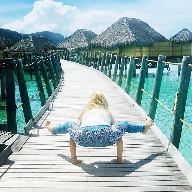 Yes, staying in over the water suites is as dreamy as it looks... life on the dock means rolling out of bed into the ocean among tropical fish and friendly sting rays and black tipped small reef sharks. It makes life extra exciting:)) Taking Titibhasana back to my hut and a paddle board back to yoga... This day I happily repeat!#yogajourneyswithulrika #yogalifestyle #yogalife #yogatime #yogafun #yogalove #yogalover #yogapants #yogainspiration #yogachallenge #instayoga #yogapractice #yogaretreat #yogaphotography #yogaeverywhere #yogaeveryday #iloveyoga #yogadaily #yogafit #travel #travelblogger #dream @root_to_rise_official
