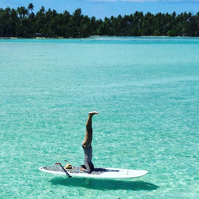 Want to develop trust? Try Headstand on a paddle board. It's is more awakening than having the head in the sand, that's for sure:) Big plus, the water in Tahiti is warm and forgiving so when not if you fall, all you feel is love. Disclaimer, don't try this unless experienced at headstand on land:)! ..#yogajourneyswithulrika #goodmorning #headstand #paddleboarding #paddleboardyoga #yogainspiration #yogalife #yogalifestyle #yogafun #upsidedown #tahiti #yogapractice #yogaoutside #yogaoutdoors #yoga#yogalover #yogalove #yogaretreat #yogatravel #yogajourney #yogachallenge #yogalove #yogaeverywhere #yogaeveryday #aum