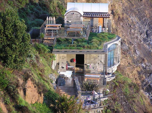 This is the spa @esalen in BIG SUR... geothermal pools hanging off a cliff overlooking the Pacific Ocean. I'm teaching my annual ESALEN YOGA JOURNEY May 4-6th. It's now time to register. It sells out every year! ..#yogajourneyswithulrika #yogaretreat #yogatravel #yogajourney #yogaworkshop #yogapractice #yogaprogress #yogateacher #yogatraining #yogateachertraining #yogalife #yogalifestyle #yogalove #yogalover #lovelovelove #instayoga #yogafun #yogaday #yogadaily #yogaeverywhere #yogainspiration #yogatime #yogaeveryday #bigsur #esalen #yogaforlife #yogajournal