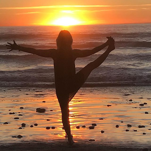 The sun never said you owe me... Thank you most generous source of guidance, warmth, light and life. My heart is listening. Every morning is a new beginning...#yogajourneyswithulrika #yogalife #aum #iloveyoga #sunset #newbeginnings #setfree #freedom #lovelovelove #lovejourney #journey #yogalover #yogini #yogalifestyle #newday #exhale #inhale #iloveyoga #yogaeveryday #yogaeverywhere #yogaoutdoors #beachlife #healing #heart #yogadaily #yogavibes #yogafamily #yoga #om