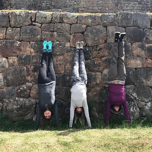 Looking at the world upside down today, shifting perspective from head to heart, thought to feeling. Wherever I kick up into handstand I remember the moment as if it's an internal map for time travel and I realize the heart doesn't operate in time, it pulsates with life and navigates by love. By my sides here in #cusco #peru last summer my dear friends and Yoga Journeyers @friendlyjean and @soul_alchemy_...#yogajourneyswithulrika #yogaretreat #heart #memories #yogaeveryday #yogaeverywhere #handstand #yogini #friends #yoginis #yogaoutside #yogaoutdoors #yogainspiration #yogalover #travel #yogafun #upsidedown #heart #journey #lovelovelove #life #transformation #love #yogaday #yogaoutdoors #yogadaily