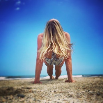 It's a sunny, clear sky today and it's Friday, I'm in love... with who, with what? I simply love falling in love with love itself and some days I just wake up feeling that way, especially on a sunny day. Thankful to be born this way!....#yogajourneyswithulrika #lovinglife #yogagirl #yogini #yogatime #yogateacher #yogafun #yogainspiration #lovelovelove #sunnyday #yogalife #yogaeveryday #yogaretreat #yogajourney #yogalover #yogalifestyle #yogalove #yogadaily #yogapractice #yogaoutside #yogaeverywhere #yogamom #yogaeverydamnday #yoga #yogafam #yogachallenge #yogagram #instayoga #yogisofinstagram
