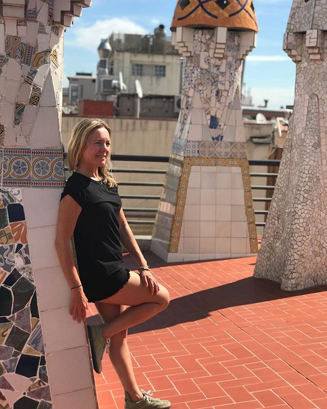 Hanging out with Gaudi in Barcelona thinking this roof top would be perfect for a morning Yoga Journey practice, but they didn't go for it. I know Gaudi would have:) I wonder how it would have inspired his art work......#yogajourneyswithulrika #yogalover #artlover #gaudi #barcelona #yogagirl #yogagram #yogaeverywhere #yogaeveryday #yogalife #yogalifestyle #yogalove #instayoga #yogisofinstagram #yogafun #yogainspiration #artinspiration #yogini #yogatravel #yogatime #yogajourney #yogaretreat #yogapractice #yogadaily #yogaforlife #yoga #lovelovelove #yogamom #yogaforeveryone