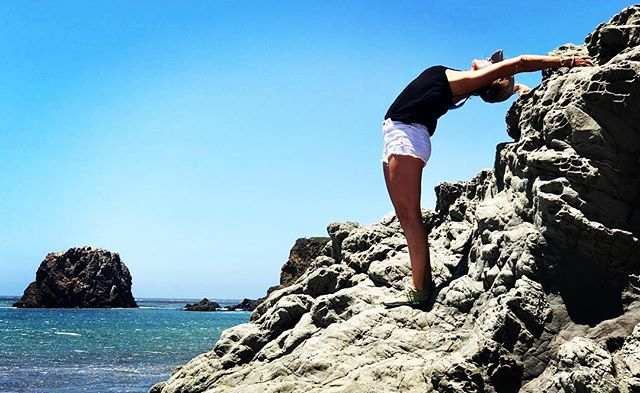 Body sailing on a super windy day at Andrew Molera state park in Big Sur.....#yogajourneyswithulrika #bigsur #yogajourney #yogaretreat #yogalover #yogateacher #yogisofinstagram #yogini #yogalove #yogapractice #yogaeveryday #swedishgirl #yogagirl #yogagram #instayoga #yogafun #yogainstructor #yogainspiration #yogalife #yogalifestyle #yoga #yogi #yogaeverywhere #yogalifestyle #yogamom #yogaflow #backbend #beachgirl