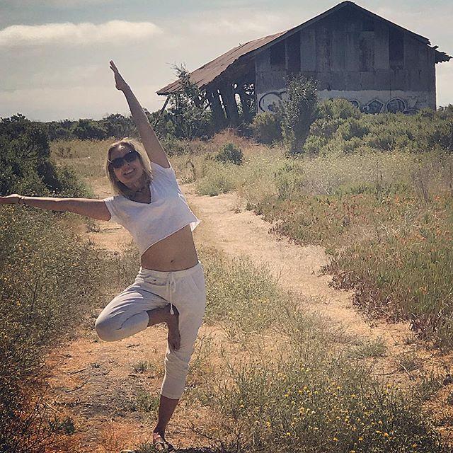 Leaning into new discoveries in my own backyard, yoga practice and life... Slow is the new fast when falling softly into manifesting dreams.....#yogajourneyswithulrika #yogalove #yogalife #yogafam #yogisofinstagram #yogini #yoga #yogatime #instayoga #yogagirl #yogagram #swedishgirl #yogainspiration #yogapractice #yogateacher #yogi #instayoga #yogalife #yogalover #yogaflow #yogaeverydamnday #yogaretreat #yogajourney #yogaeveryday #yogaeverywhere #yogis #yogafun #lovetotravel #lovelovelove